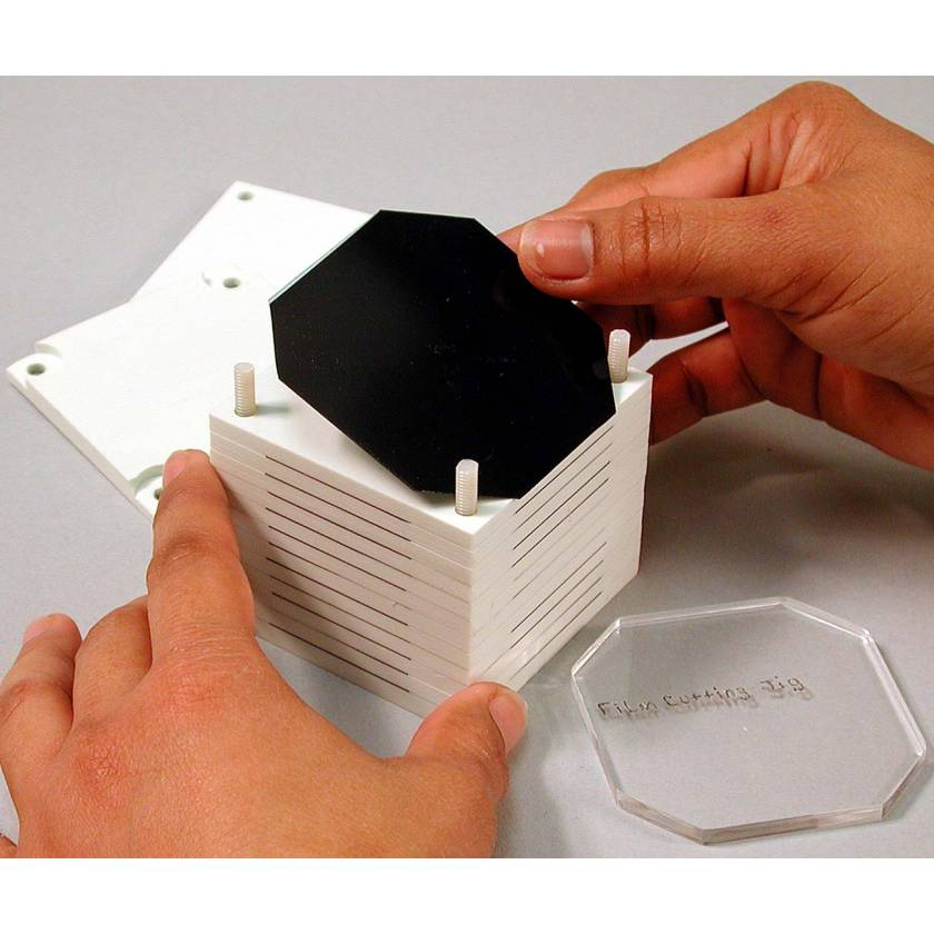 IMRT Phantom Accessory - Film Stack for Small Volume 3D Image Reconstruction