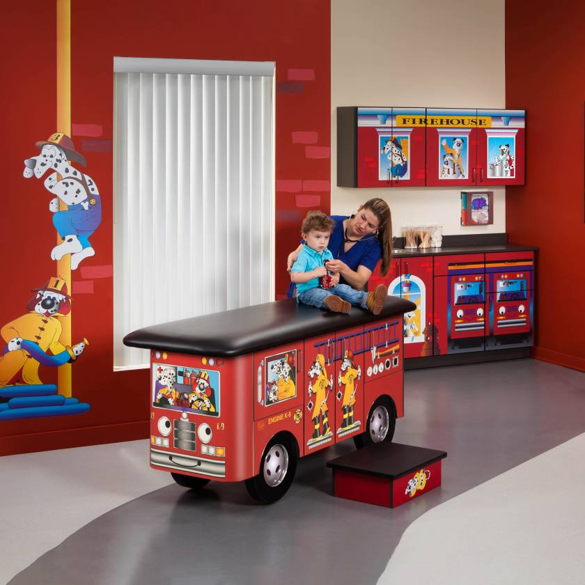 Clinton Model 7030-X Complete Engine K-9 Pediatric Treatment Table & Cabinets