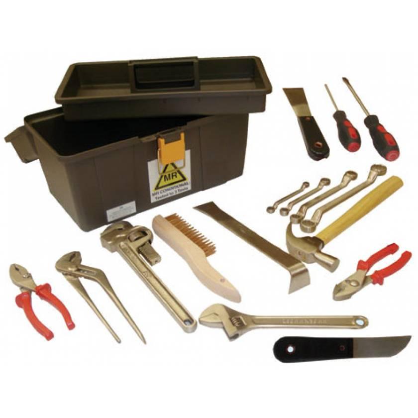 MR-Conditional 17-Piece Tool Box